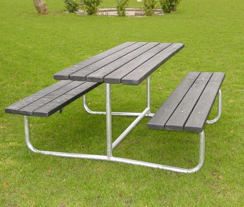 bord-baenk-uden-ryglaen-plast